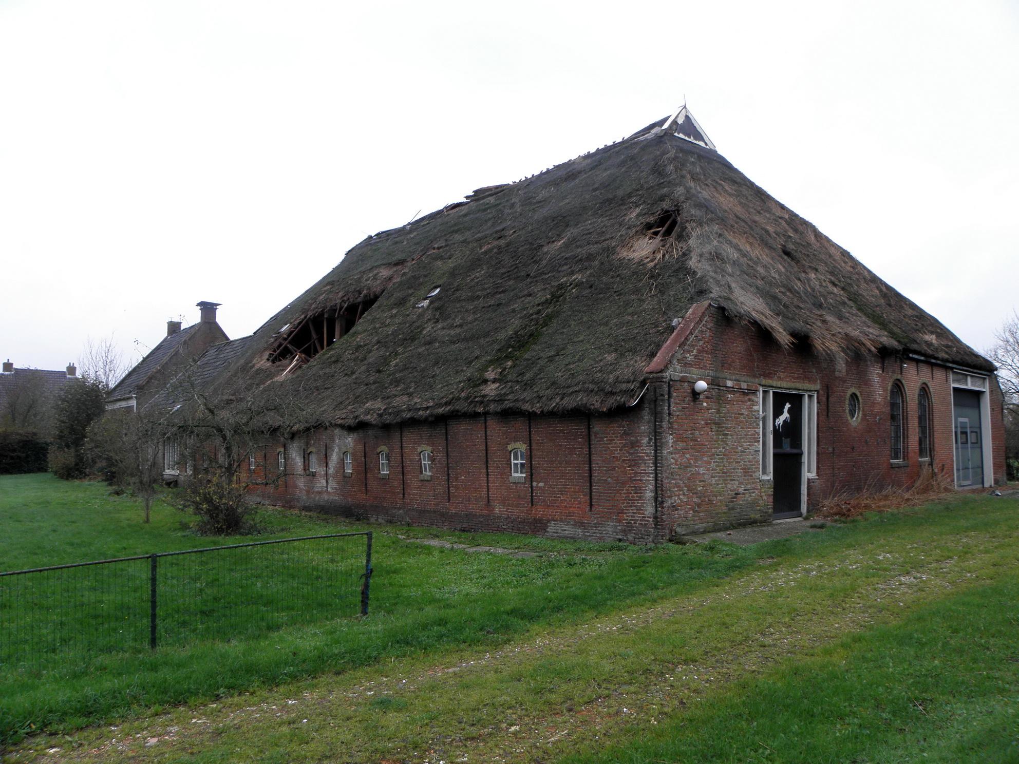 Van statig tot vervallen boerderij stasjonsstrjitte for Boerderij achterhoek te koop