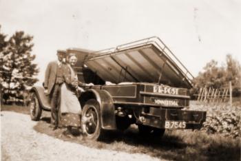 Rienik Rieniks Post met ventwagen