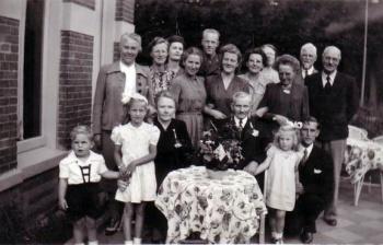 Familiefoto met Aize de Roos e.a.