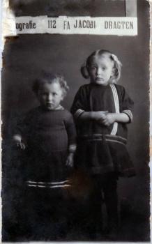 Maaike en Martha Jellema