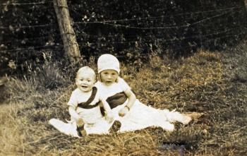 Corrie (Cornelia) en Jan de Groot omstreeks 1931-1932-resize.jpg