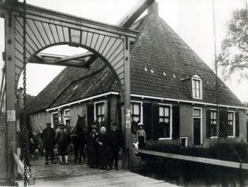 Houten flapbrug