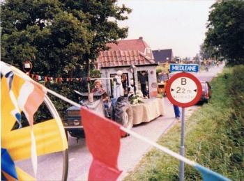 Winkeltje versierde wagen