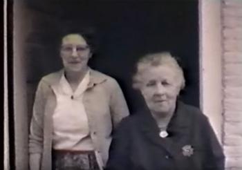 Onbekende vrouw en Durkje Posthuma