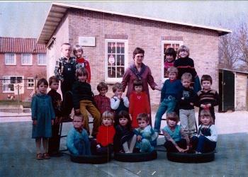 Schoolfoto OBS kleuterschool 1980
