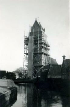 Nederlands Hervomde kerk en toren