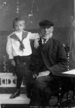 Pier Sijbrens Stapert met kleinzoon