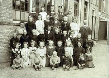 Openbare Lagere School omsteeks 1915